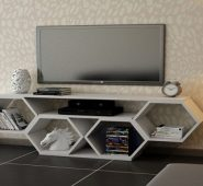 Umba TV Shelf